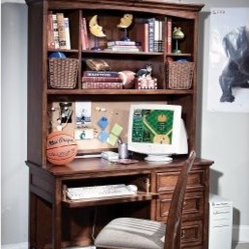 American Spirit Computer Desk with Optional Hutch