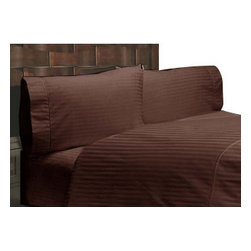Hothaat - 400TC Stripe Chocolate California King Fitted Sheet & 2 Pillowcases - Redefine your everyday elegance with these luxuriously super soft Fitted Sheet. This is 100% Egyptian Cotton Superior quality Fitted Sheet that are truly worthy of a classy and elegant look.