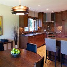 Modern Kitchen by White Crane Construction