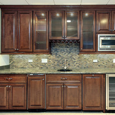 Kitchen Cabinets by Dream's Closets