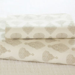 Kingston Bhotah Organic Sheet Set - Print sheets mix well with stripes and florals, or with a solid color quilt.