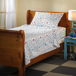 None - Wandering Rose Kids 300 Thread Count Sheet Set - This floral sheet set features a wonderfully soft 300 thread count sateen cotton and the fitted sheet has a 14-inch pocket depth. The set is conveniently machine washable.