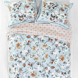 Plum & Bow Olivia Duvet Cover - This Olivia duvet cover is a great example of how flowers are taking over this spring.