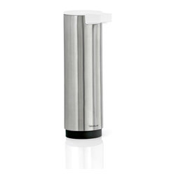 Blomus - SENTO Soap Dispenser, Large, Matte - Award-winning designers at Floz Design have created some of the most innovative and modern accessories for the home. The SENTO Soap Dispenser for instance, features minimalist curves of stainless steel and a classy white dispenser top. Sleek and durable, this piece will provide years of service without compromising style.