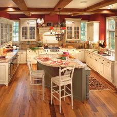 Farmhouse Kitchen by LIFESTYLE KITCHENS by The Kitchen Lady