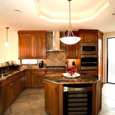 Traditional Kitchen by Yoder Homes