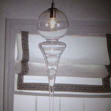 Does anyone know where I can get this light fixture or who is the manufacturer?