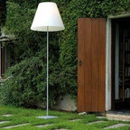 Costanza Open Air Floor Lamp By Luceplan Lighting - Grande Costanza Open Air by LucePlan is a new outdoor version able to give light to terraces and garden with elegance and efficiency.