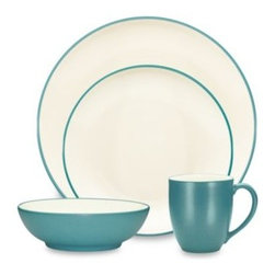 Noritake - Noritake Colorwave Turquoise Coupe 4-Piece Place Setting - A splash of color can create a wave of excitement at the dinner table.