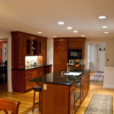 Traditional Kitchen by Guy Edkins