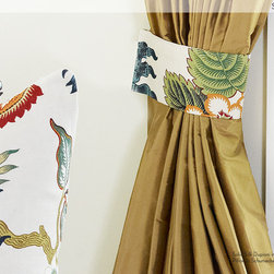 DrapeStyle Solid Silk Drapery - DrapeStyle has been manufacturing the highest quality custom drapery in silk and linen since 2002.  We ship to residential Customers and Designers in the US and Canada.