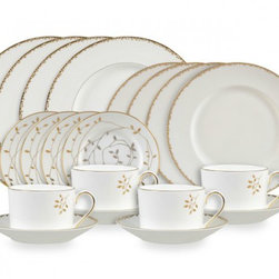 Wedgwood Vera Wang Gilded Leaf 20-Piece Dinnerware Set - The eloquent gilded pattern on this dinnerware set brings the warmth of nature to the table. It also complements Vera Wang's Leaf Crystal Stemware.