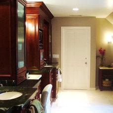 Traditional Bathroom by Elaine Morrison Interiors