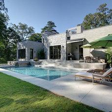 Contemporary Pool by Castro Design Studio