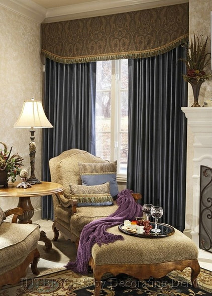 Traditional Living Room by Decorating Den Interiors - Christine Hippensteel