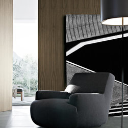 Bug Armchair - Bug is the last creation of the cooperation between Poliform and Paola Navone. A design element carefully finished, elegant, refined and unique.