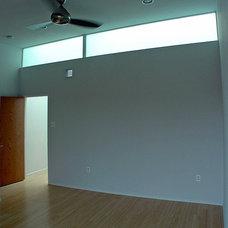 Modern  by Bright Common Architecture & Design
