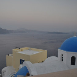 LimitLess Walls - Santorini Mural - Never leave the Island of Santorini while never leaving your room.Our removable canvas wallpaper has no paste and leaves no mess. Apply yourself again and again.