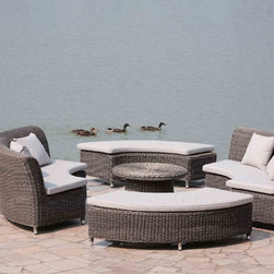 janus court designs - Bailey 5 Piece Outdoor daybed - Bailey 5 piece Daybed.