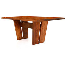 Modern Dining Tables by whyrHymer
