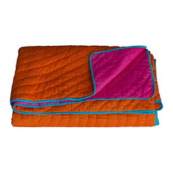 KOKO - Orange and Fuchsia Reversible Quilt, King - Bright colors like orange and fuchsia belong together, and here they're perfectly matched with a touch of turquoise. This looks like the kind of quilt that would instantly turn into a family favorite.