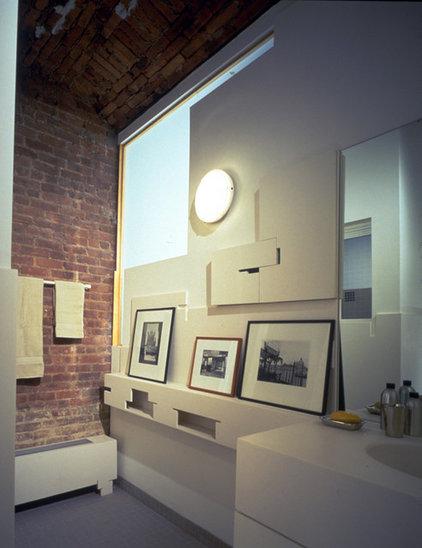 Contemporary Bathroom by George Ranalli Architect