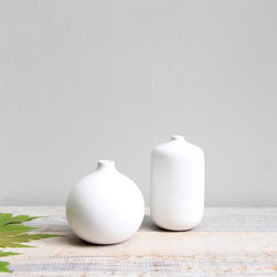 Vintage Mid Century Pottery Vase by Ethan Ollie - In my book, you can never go wrong with simple decor. A colorful flower would pop in these vintage bud vases.