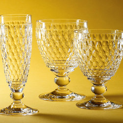 Villeroy & Boch - Villeroy & Boch Boston Stemware - Boston displays a traditional, allover diamond cut, arranged like honeycomb, which extends over the entire surface, giving rise to an uncomplicated rustic appearance. The range is made from crystal and is dishwasher safe.