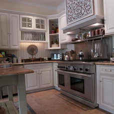 Traditional Kitchen by Bashaw Construction