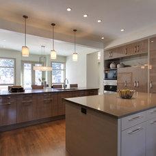 Contemporary Kitchen by DEKORA Staging Inc