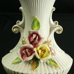 EuroLux Home - Large Consigned Vintage Italian Capodimonte Style - Product Details