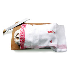 Farmor Bread Bags by Plenty - Fresh bread can quickly become hard or spongy if left out or placed in a plastic bag. A linen bread bag actually keeps it fresher longer and helps it maintain that crunchy outer crust. Whether you are baking your own loaf or heading to the local market, this bag is a must for the country kitchen.