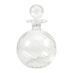 iMax - Vivian Borosilicate Glass Decanter with Stopper - Exquisite design and beautiful round shape define the Vivian Borosilicate glass decanter with a globe shaped stopper.