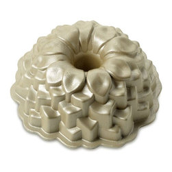 Blossom Bundt Pan - Cake blooms in this Blossom Bundt Cake Pan from Williams-Sonoma.