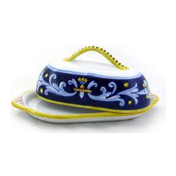 Artistica - Hand Made in Italy - Antico Deruta: Butter Dish - Antico Deruta Collection: Throughout the years, our Antico Deruta collection has been always considered the most formal depiction of the Ricco Deruta pattern. Its classic Arabesque decorative pattern is composed of rhythmic, curvilinear designs painted in a unique combination of regal blue and bright yellow. The foliated scrollwork motif featured in this collection was also employed in the architectural decorations of late Roman and Renaissance periods.
