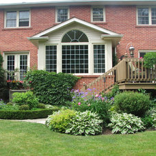 Traditional Landscape by The Expert Touch Interiors