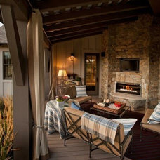 Showlow Cabin / Who wouldn't want an outdoor gas fireplace and tv!?