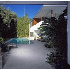 Modern Pool by nonzero\architecture
