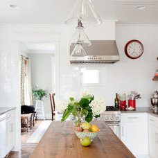 Traditional Kitchen by Gather & Build