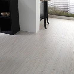 Laminate flooring dupont laminate flooring pine for Dupont laminate flooring