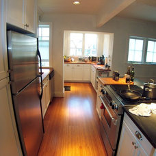 Contemporary Kitchen by Baltimore HouseWrights