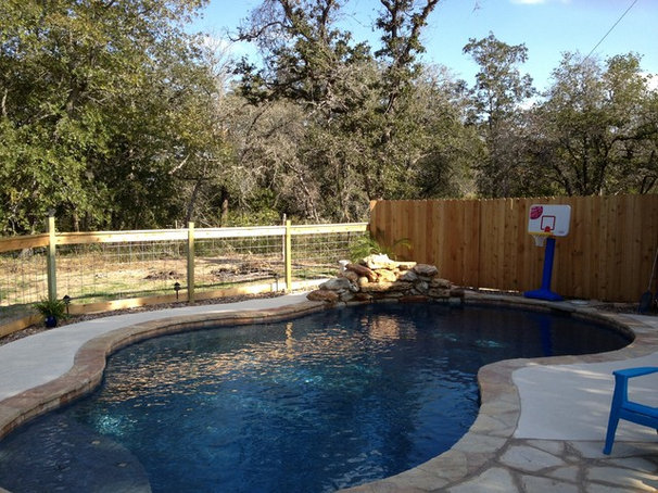 Traditional Pool by Bradley Signature Pools