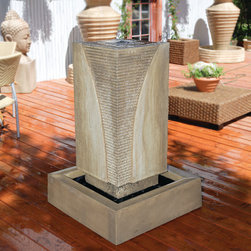 Gist Decor - Ribbed Monolith Outdoor Fountain by Gist Decor - Decorative Stone Fountain