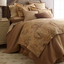 "Ralph Lauren - Queen Paisley Comforter 94"" x 96"" - Ralph LaurenQueen Paisley Comforter 94"" x 96""Designer About Lauren Ralph Lauren:What began almost four decades ago with a collection of ties has grown into an entire world redefining American style. Polo Ralph Lauren is a leader in the design marketing and distribution of premium lifestyle products in four categories: apparel home accessories and fragrances. For more than 35 years Polo's reputation and distinctive image have been consistently developed across an expanding number of products brands and international markets. The iconic American designer Ralph Lauren translated his classically preppy aesthetic into home decor with the introduction of Lauren by Ralph Lauren. The collection features luxurious linens furnishings and decorative accessories with fine attention to detail and timeless patterns."