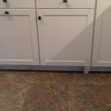 Aristokraft cabinetry --Ellsworth collection.   Legs are clunky and ugly.  Like