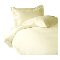 600 TC Duvet Cover with 1 Fitted Sheet Solid Ivory, Full - You are buying 1 Duvet Cover with 1 Fitted Sheet only. A few simple upgrades in the bedroom can create the welcome effect of a new beginning-whether it's January 1st or a Sunday. Such a simple pleasure, really-fresh, clean sheets, fluffy pillows, and cozy comforters. You can feel like a five-star guest in your own home with Sapphire Linens. Fold back the covers, slip into sweet happy dreams, and wake up refreshed. It's a brand-new day.