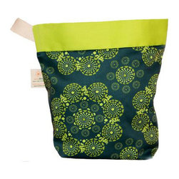 Eco Ditty - Eco Ditty Lunch Bag , Eyes of The World - If you knew the planet was watching you, what would you pack your lunch in? A paper Bag that was made out of deforested trees? Plastic derived from petroleum? Or would you pick the greener choice, the Eco Ditty Eyes of The World Lunch Bag?
