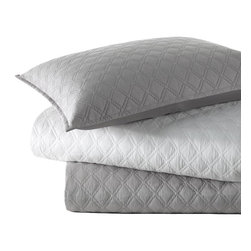Vera Wang - Vera Wang Step Edge Diamond Cotton 3-piece Coverlet Set - The steel grey or white Step Edge quilt set by Vera Wang features a coverlet and shams that will provide style to any room. Designed with pure cotton sateen,this diamond-stitched quilt set is fully machine washable.