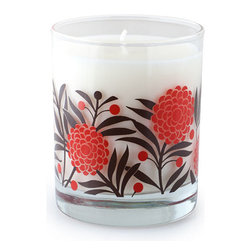 Crash - Bloom, A Blend Of Linden Blossom, Bergamot And Grapefruit Candle - Modern design and fragrance in a timeless product. Experience functional art in your home, exclusively from Crash. This candle is fragranced with a blend of Linden Blossom, Grapefruit, Bergamot, Jasmine with Musk and Mossy Amber.