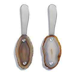 Fusio Spreader - Natural with Silver Edge - Complete an impressive serving piece with easy-to-match, yet inherently glamorous utensils: the fusion of boldly-patterned drama and natural subtlety found in the Fusio Spreader. Comprised of a smoothly-curved stainless-steel blade riveted to a handsome piece of select genuine agate with its natural edge intact, each Fusio Spreader is one-of-a-kind with the unique pattern of the browns and greys in the choice agate used.